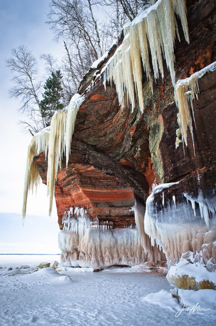 Apostle Islands, National Lakeshore, Mainland Sea Caves, Ice Caves, Wisconsin, Lake Superior, winter, cliffs, Myers Beach